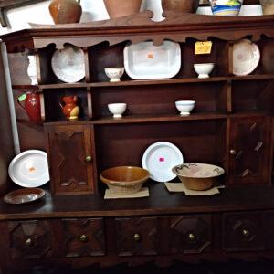 Mueble de comedor de roble