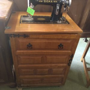 Máquina de coser Sigma con mueble 1