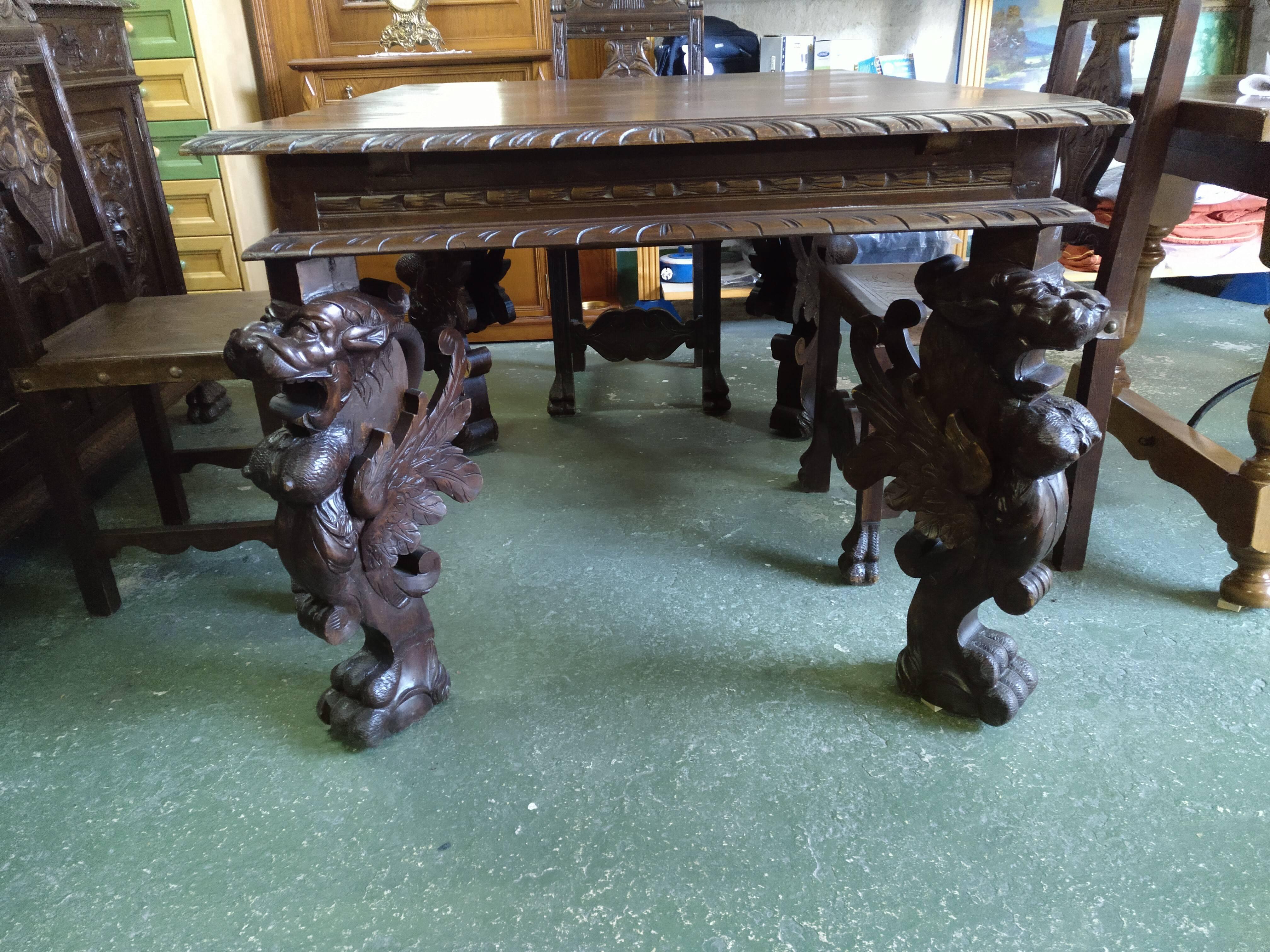 Juego mesa extensible de 3 hojas y 6 sillas renacentistas 2