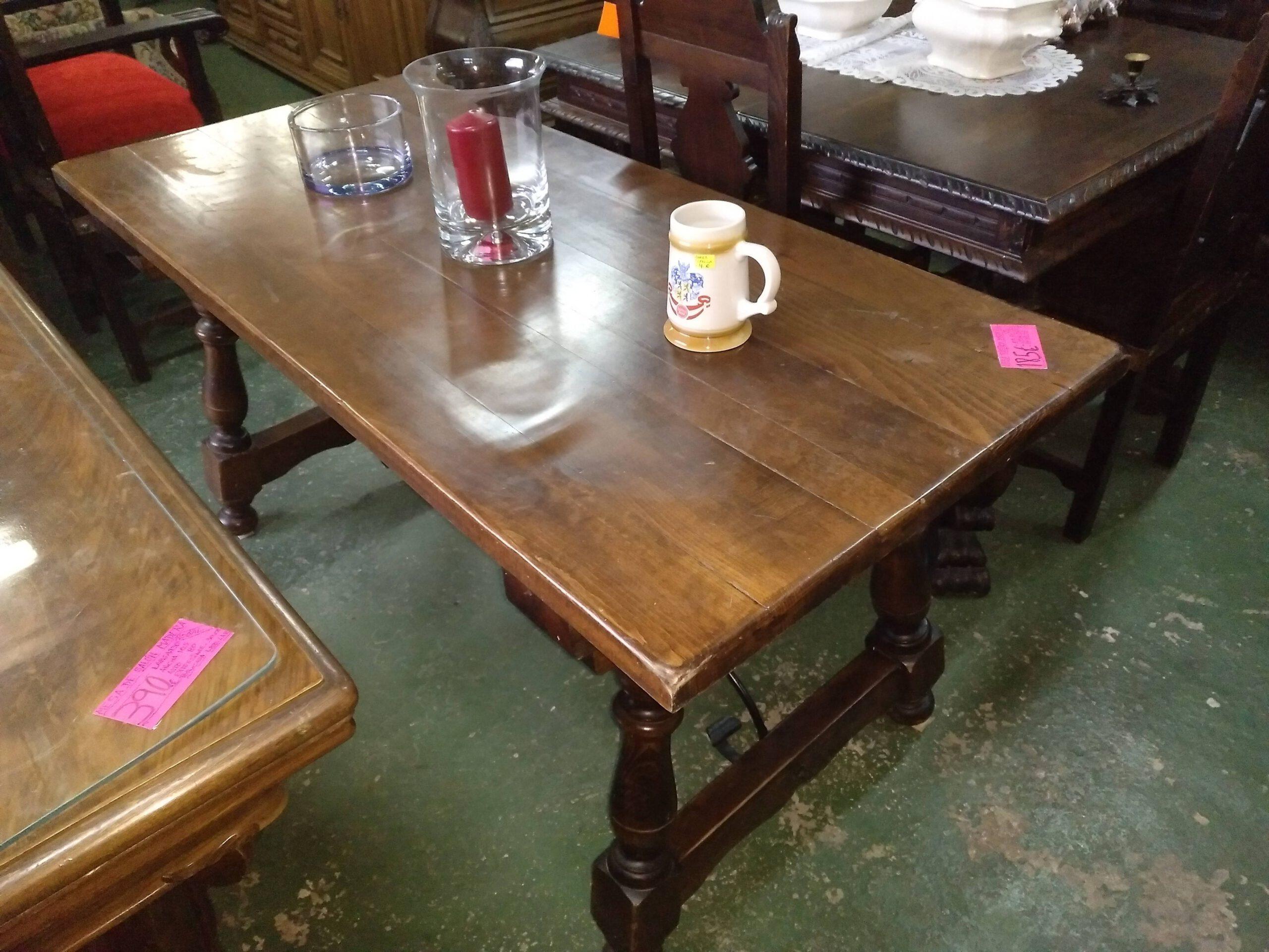 Mesa rústica de madera maciza 1