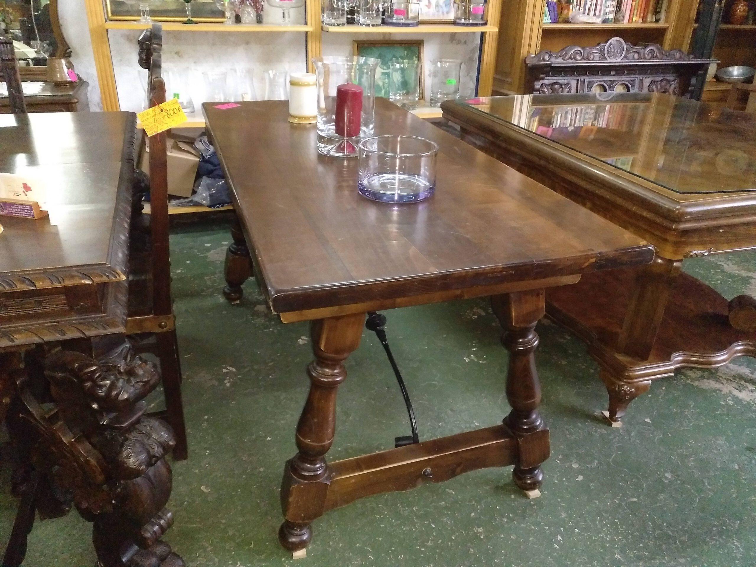 Mesa rústica de madera maciza 3