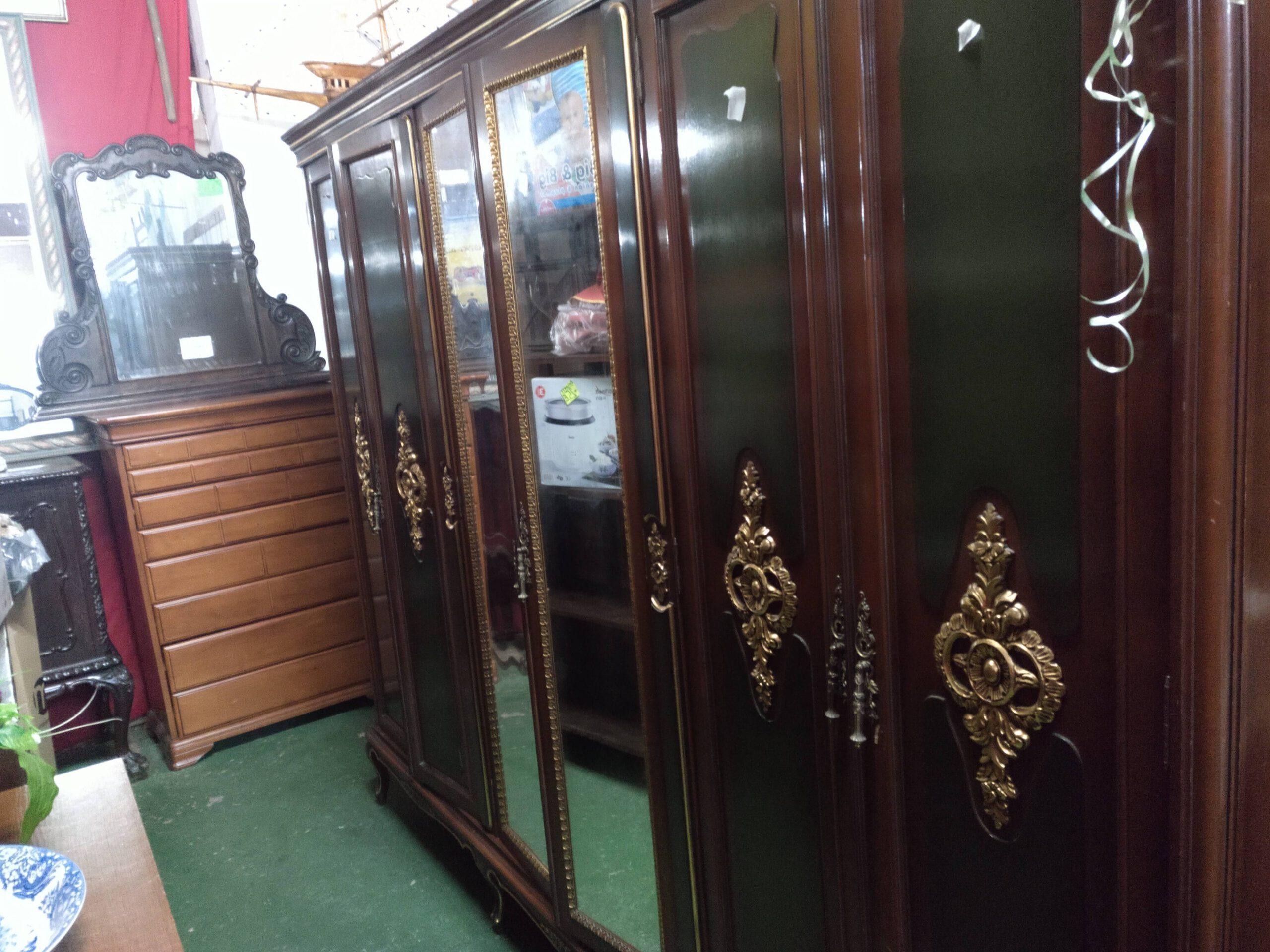 Armario de 6 puertas con cajoneras interior 2