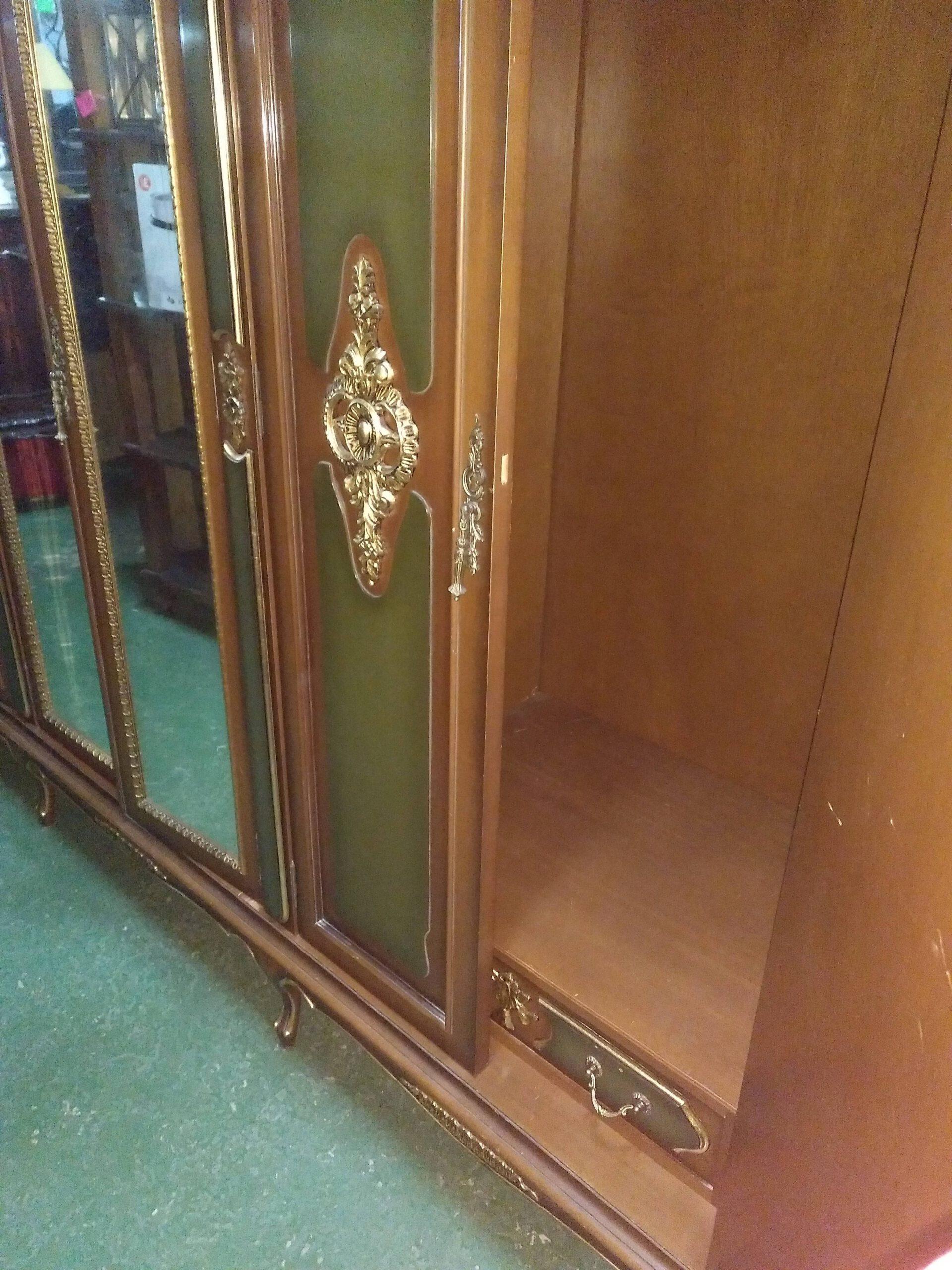Armario de 6 puertas con cajoneras interior 7