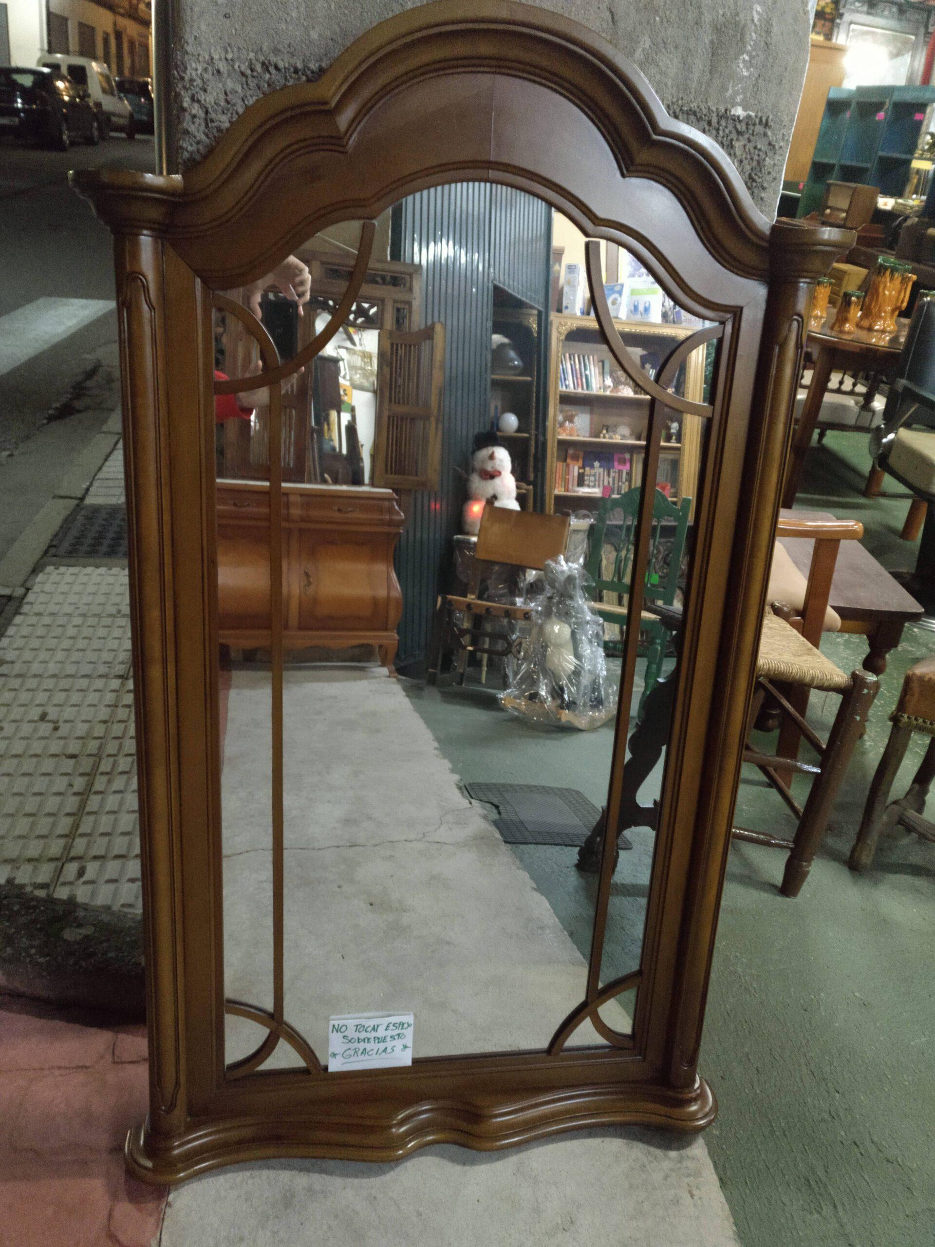 Espejo de madera de haya