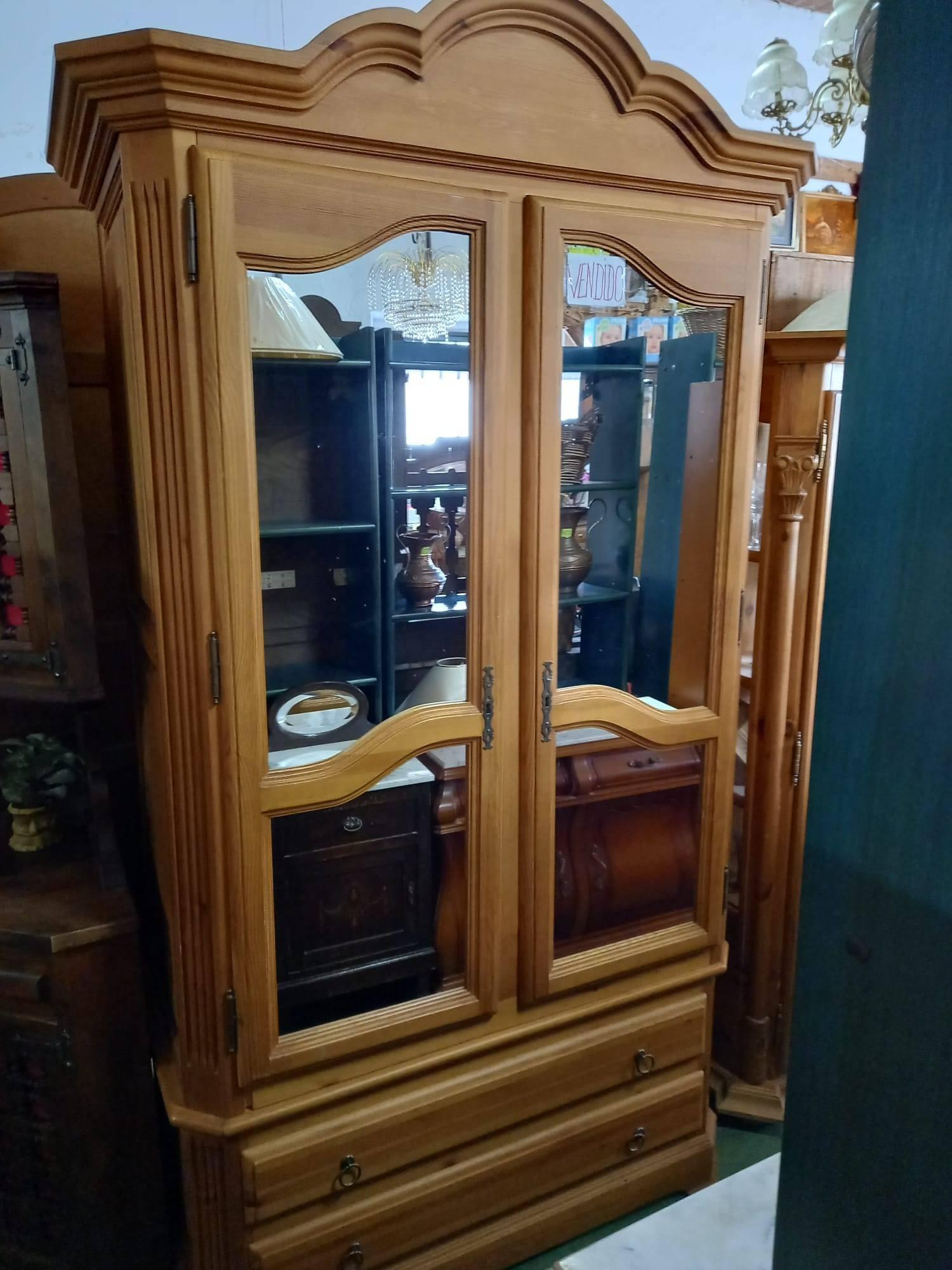 Armario de pino provenzal con 2 puertas